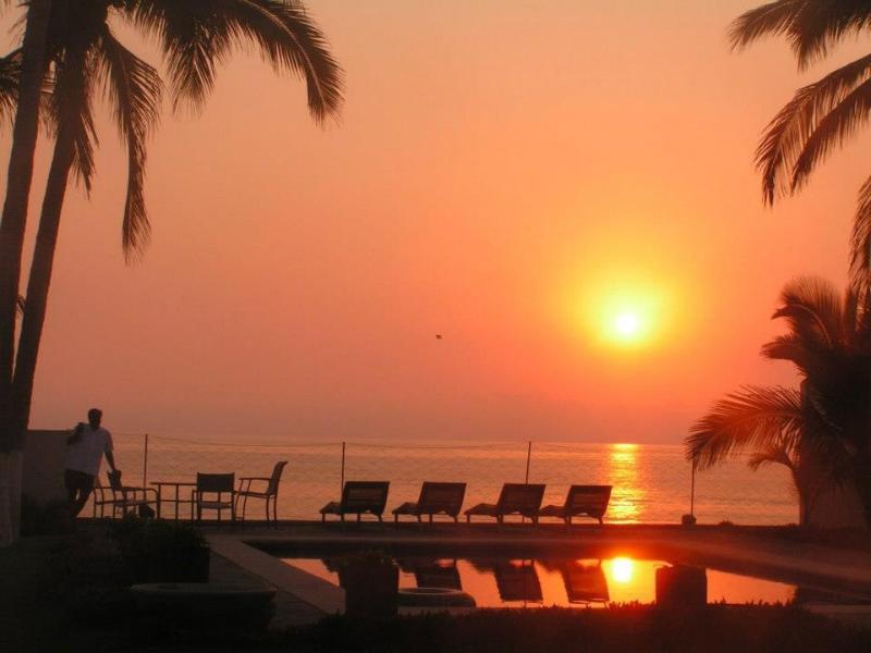Sunset - La Mansion Melaque Jalisco:  Beach Front Home - San Patricio - rentals