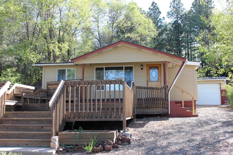 Large front deck - Terrace Cottage Downtown Flagstaff - Flagstaff - rentals