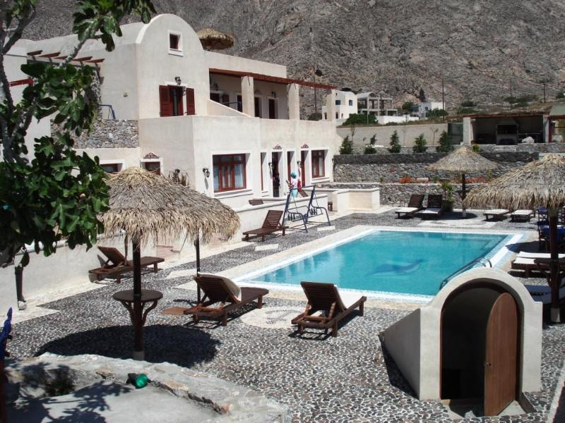 Santorini Villa The Birds Apartments for 4  with Free Car - Image 1 - Perissa - rentals