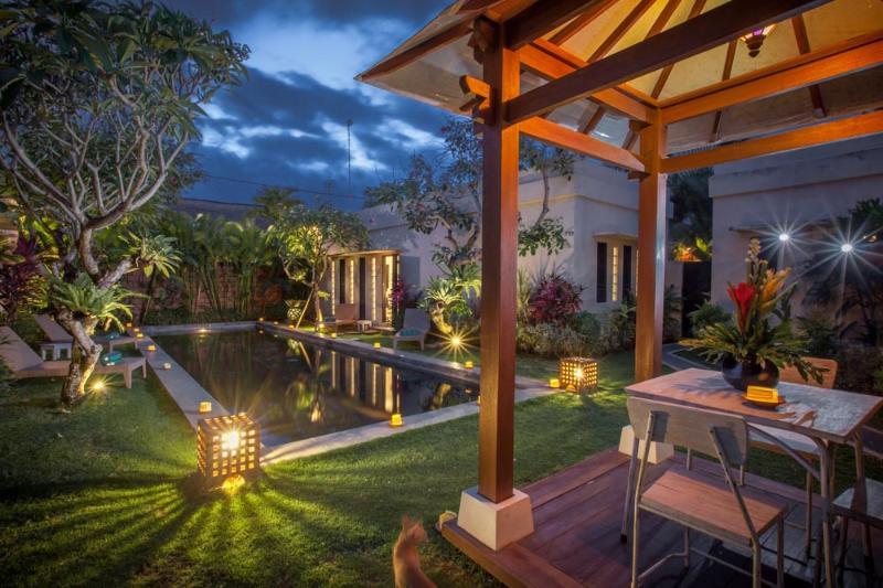 Pool Lounge - 4 Bed Rumah 23 Family Friendly Villa Seminyak - Denpasar - rentals