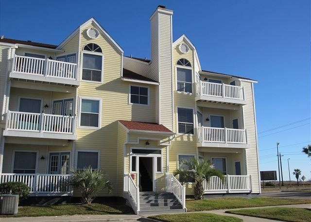 Front of building - Recently updated Condo close to the beach! - Corpus Christi - rentals