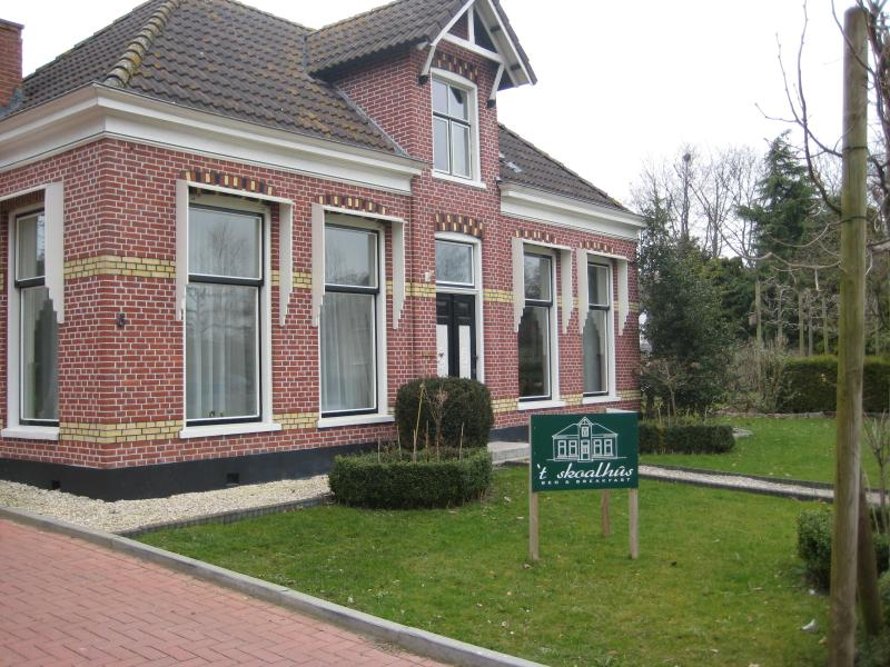 B&B in a former schoolhouse - Charming B&B at the countryside - Westergeest - rentals