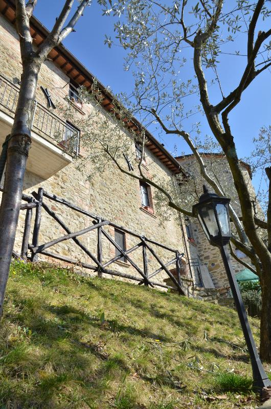 La Petronilla - Appartamenti vacanza in Umbria - foto dell'esterno - La Petronilla - Appartamenti vacanza in Umbria - Perugia - rentals