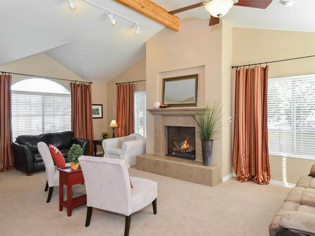Spacious living room with fireplace and vaulted ceiling - Spacious Family Vacation Home+Yard+Games+Hot Tub - Salt Lake City - rentals