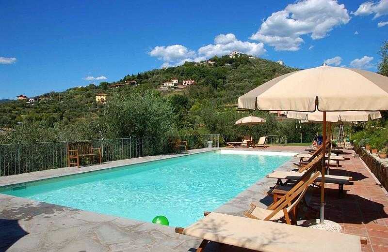 Apartment Glicine Montemare, Castelnuovo Magra Liguria - NORTHITALY VILLAS Vacation Villa Rentals - Lovely spacious apartment in agriturismo with pool - Castelnuovo Magra - rentals