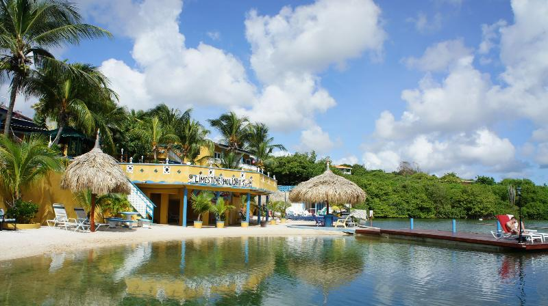 A private beach - Limestone Holiday, a family friendly & run resort. - Willemstad - rentals