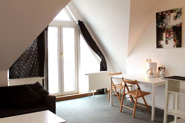 balcony under the rooftop - 160 | Cute Rooftop Studio in Neukolln in Berlin - Berlin - rentals