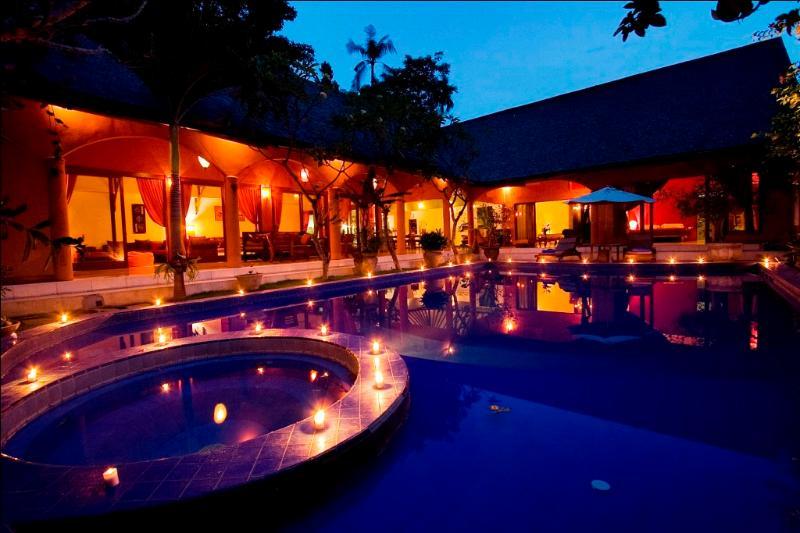 Tropical 3 Bedrooms Villa Oberoi Seminyak - Image 1 - Seminyak - rentals