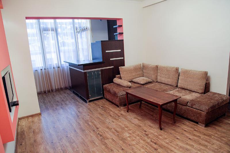 Nalbandian Str /Sakharov Square: 2 Room Studio Apt - Image 1 - Yerevan - rentals