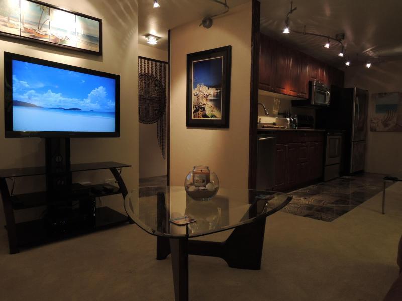Luxury High-Floor Corner Unit in Waikiki - Image 1 - Honolulu - rentals