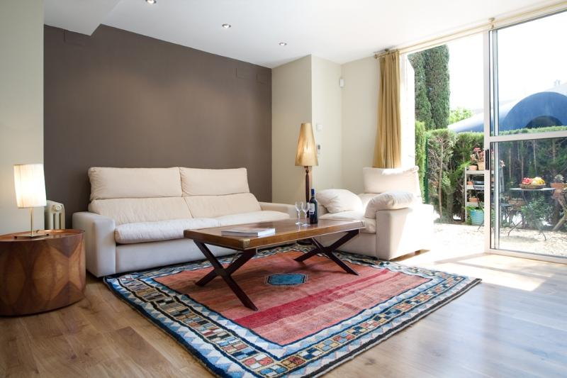 Apartment Delfin vacation apartment rental spain, barcelona, apartment to rent barcelona, holiday apartment to let spain, barcelona - Image 1 - Barcelona - rentals