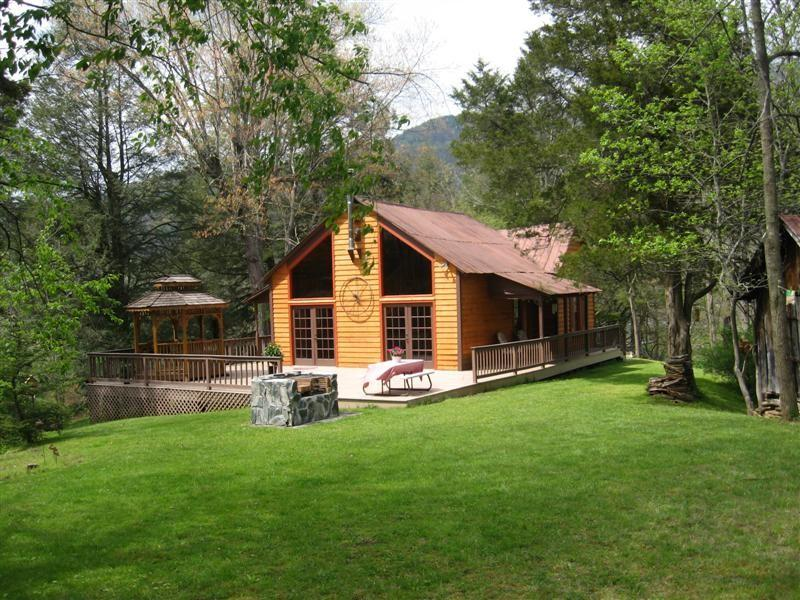 WitsEnd Cabin Crabtree, NC - WITSEND CABIN FOR PRIVACY AND SECLUSION - Clyde - rentals