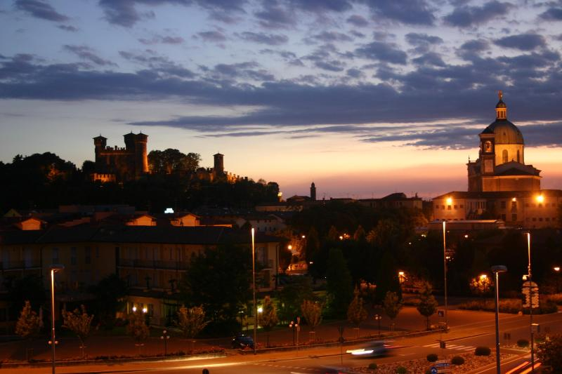 wiew castle and abbay in front of - strategic position from Lake Garda breakfast and wi-fi included - Montichiari - rentals