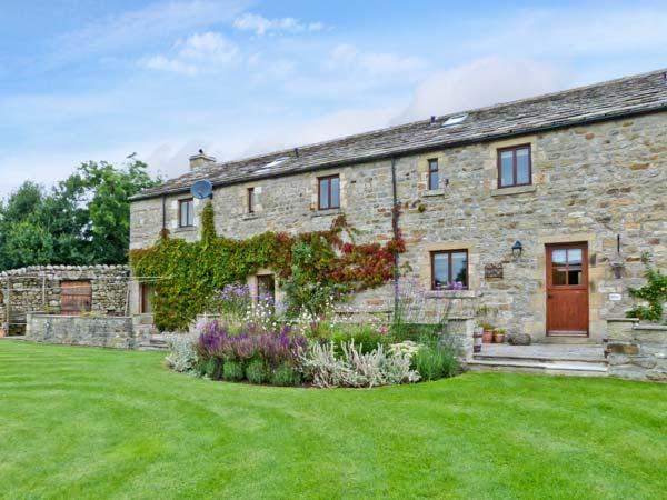 GARDALE HOUSE, en-suite facilities, WiFi, games room, outdoors play area, large cottage near Wigglesworth, Ref. 28039 - Image 1 - Wigglesworth - rentals