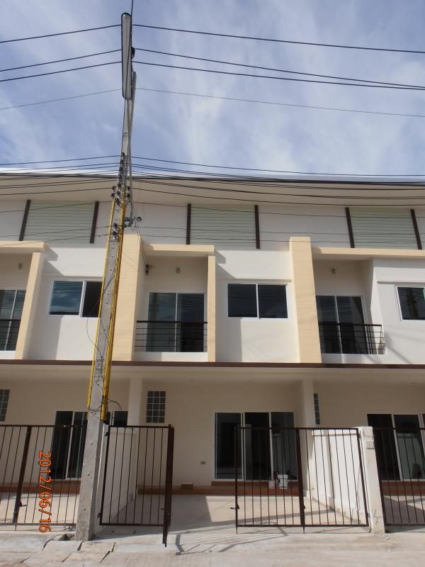 Town house for rent in Si Racha of Chonburi City - Image 1 - Si Racha - rentals