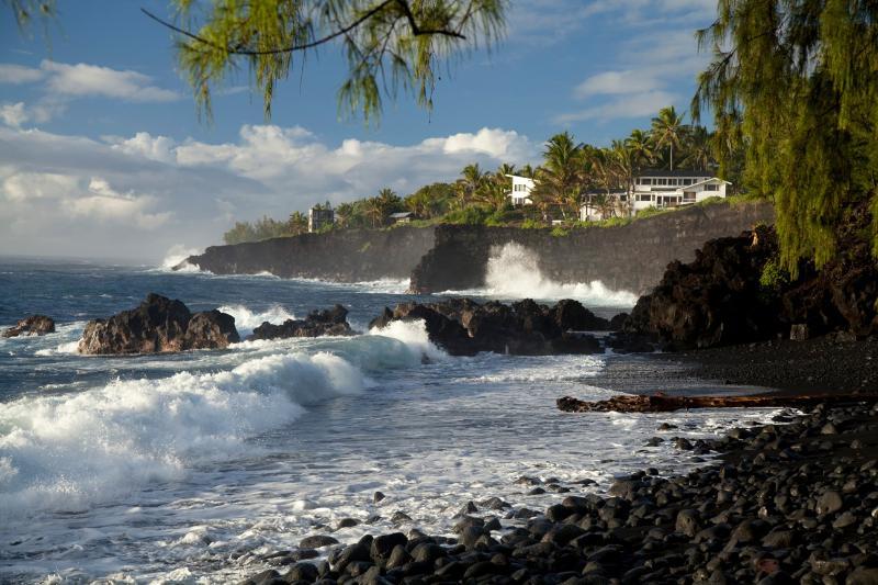 Absolute Oceanfront - Luxury Oceanfront Villa  w/ Pool, Gym & Hot Tub! - Pahoa - rentals