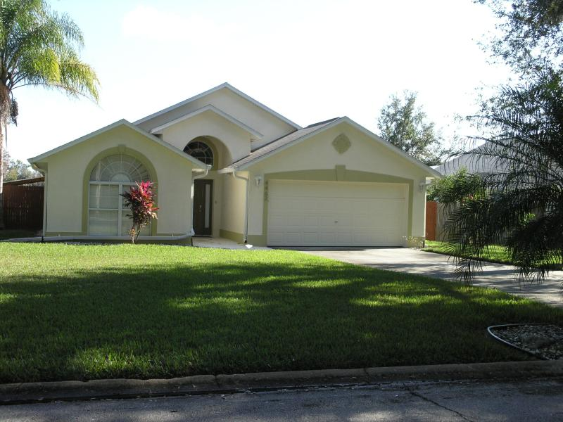 Front of House - CONSERVATION - HOT TUB - FREE POOL HEAT  - Tax Inc - Kissimmee - rentals