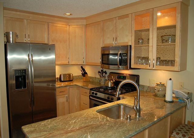 The new upgraded kitchen - Winterplace 3 Bedroom Ski In/Out - Ludlow - rentals