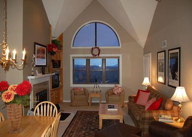 Living Room - Winterplace 2 Bedroom Condo - Ludlow - rentals