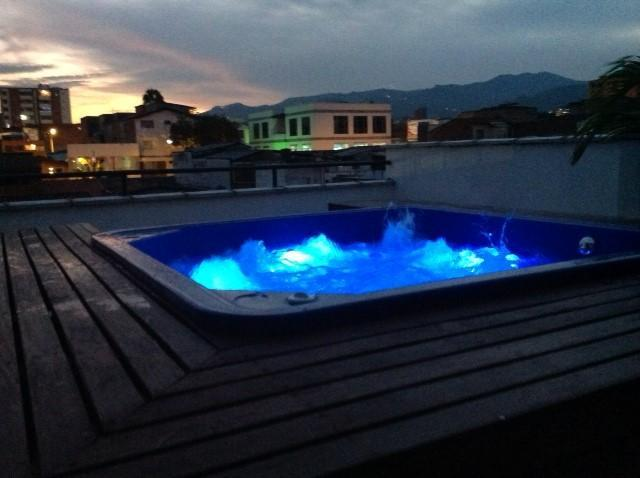 Amazing views from personal hot tub - Large 2BR 2BA Brand New Apartment - Medellin - rentals