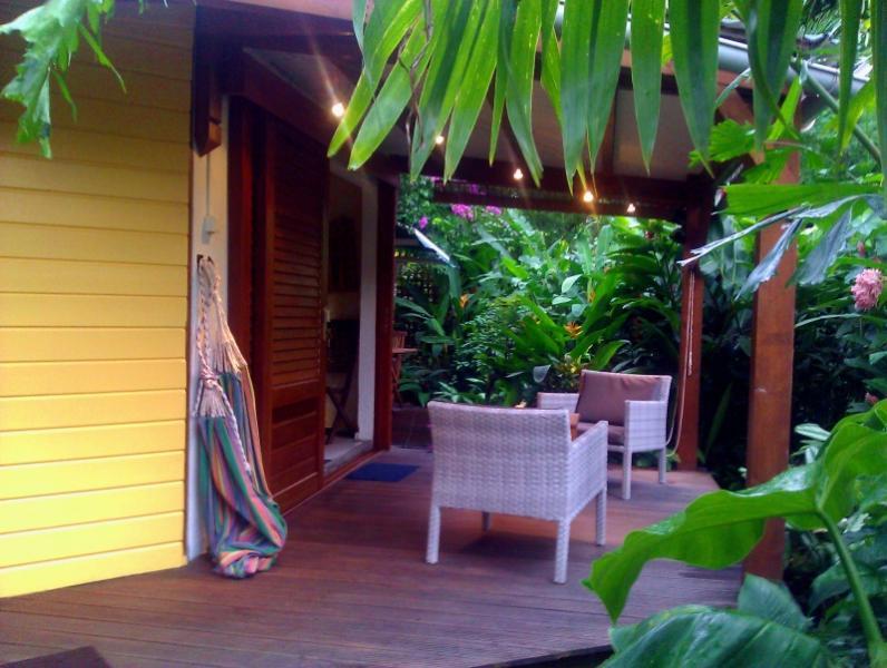 entrée / terrasse - Le Parc aux Orchidées, cottage Thunbergia - Pointe-Noire - rentals