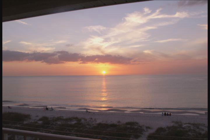 Gorgeous sunsets!! - Gorgeous Oceanside Penthouse 2bd/2ba Corner unit! - Indian Rocks Beach - rentals