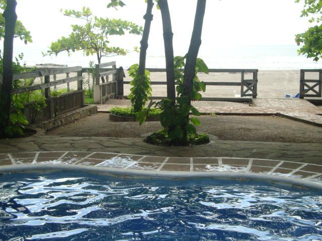 Beachfront Confort - Image 1 - Pochomil - rentals