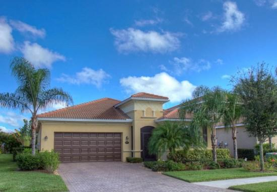 Front of home - (RS42) Beautiful 3 Bedroom 2 Bathroom Lakeside Home with Oversized Lanai with Pool and Spa - World - rentals
