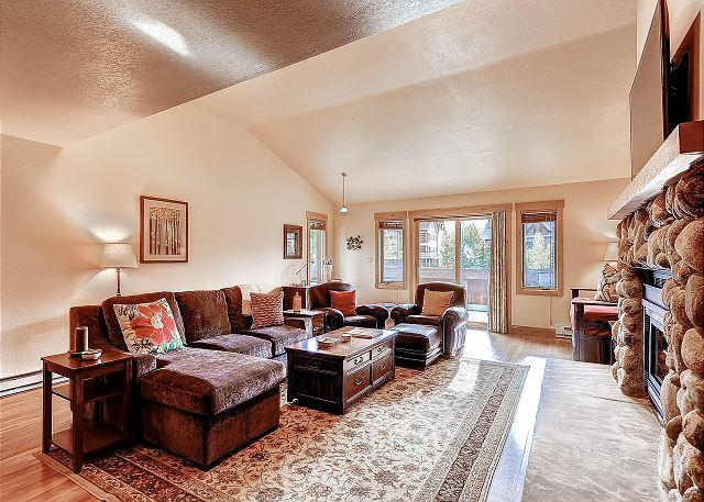 Mainridge Townhome Living Room Breckenridge Lodging - Mainridge Townhome Luxury Hot Tub Downtown Breckenridge Colorado Vacation - Breckenridge - rentals