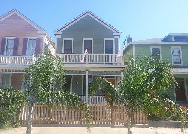 3 BR, 2.5 BA, Historic Home, Sleeps 7, Wi-Fi, Netflix On-Demand - Image 1 - Galveston - rentals