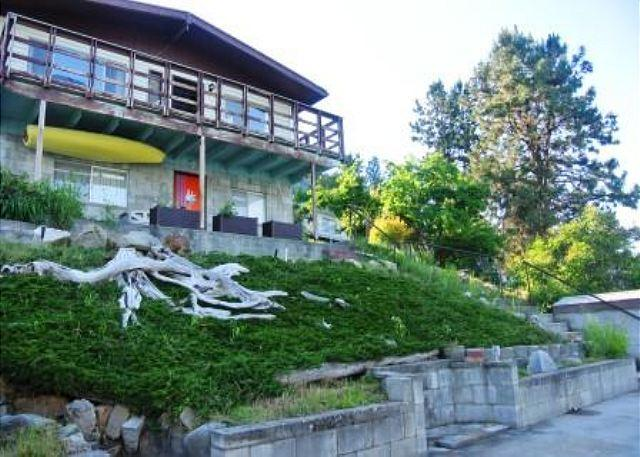 Charming 1 Bedroom Waterfront Home with Private Dock - Image 1 - Chelan - rentals