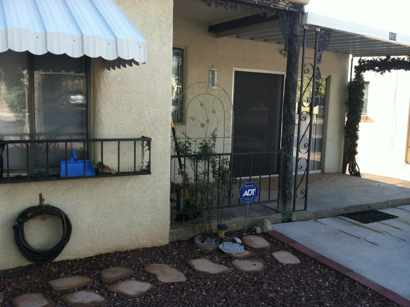 Front of House - Charming, spacious, centrally located home in the heart of Albuquerque! - Albuquerque - rentals