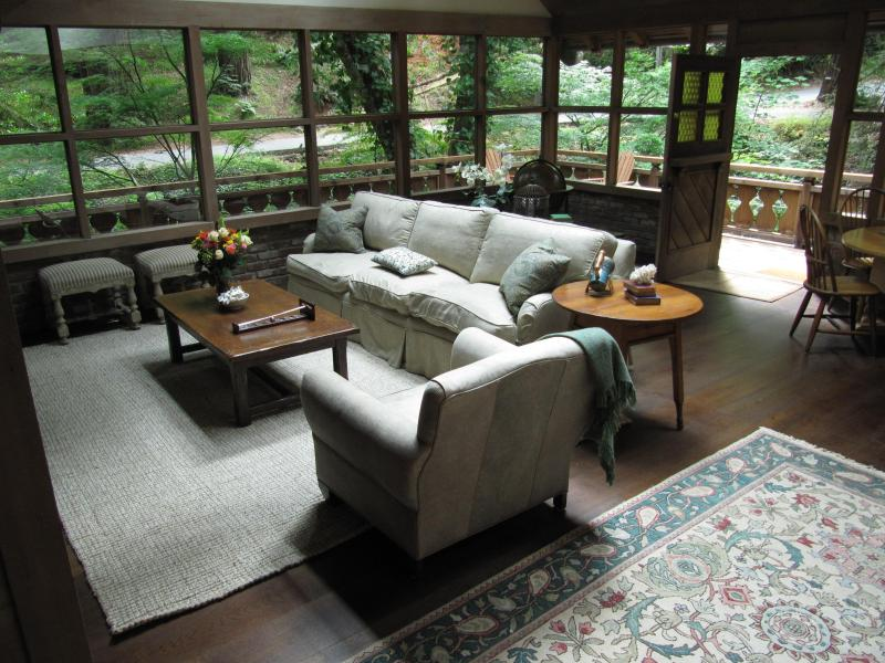 Living Room - Luxury Creekside Cottage , a Short Walk to Town! - Mill Valley - rentals