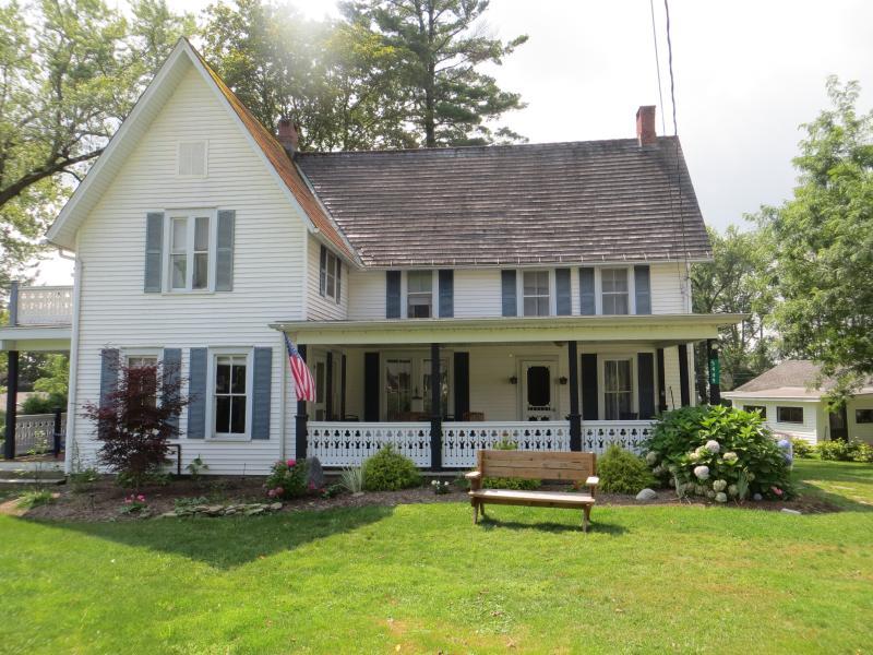 Large 5 BR Chautauqua Lake House - Image 1 - Chautauqua - rentals