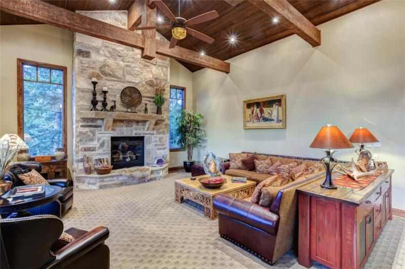 7465 Woodland View Drive - 7465 Woodland View Drive - United States - rentals