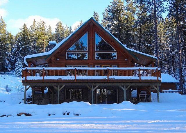 Winter Wonderland! - Fall-Winter Specials! Picturesque Log Cabin on 5 Private Acres!  5BR Hot Tub! - Cle Elum - rentals