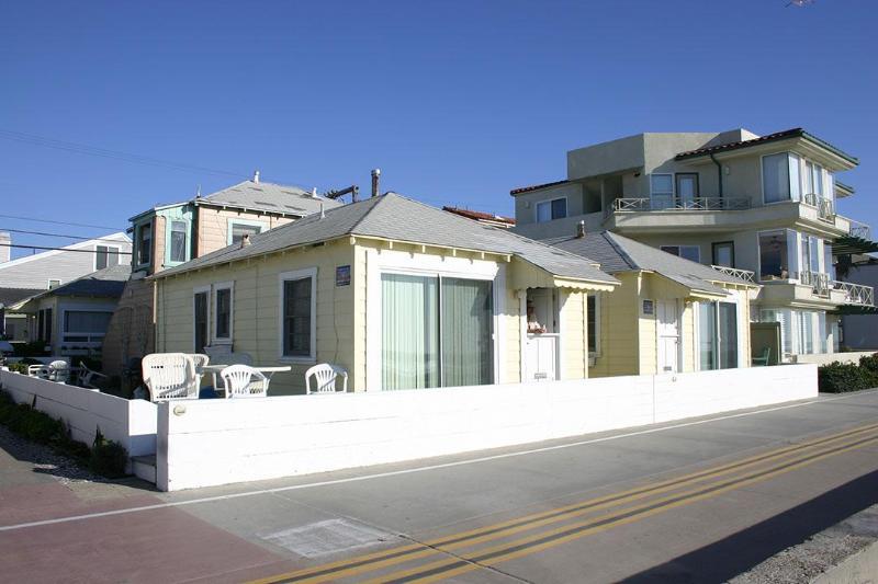 3829 Ocean Front Walk- Exterior- Looking Back from Ocean - Cozy Ocean Front Beach Cottages - Pacific Beach - rentals