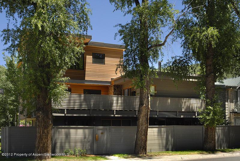 Summer Exterior - Downtown Luxury Condo - Aspen - rentals