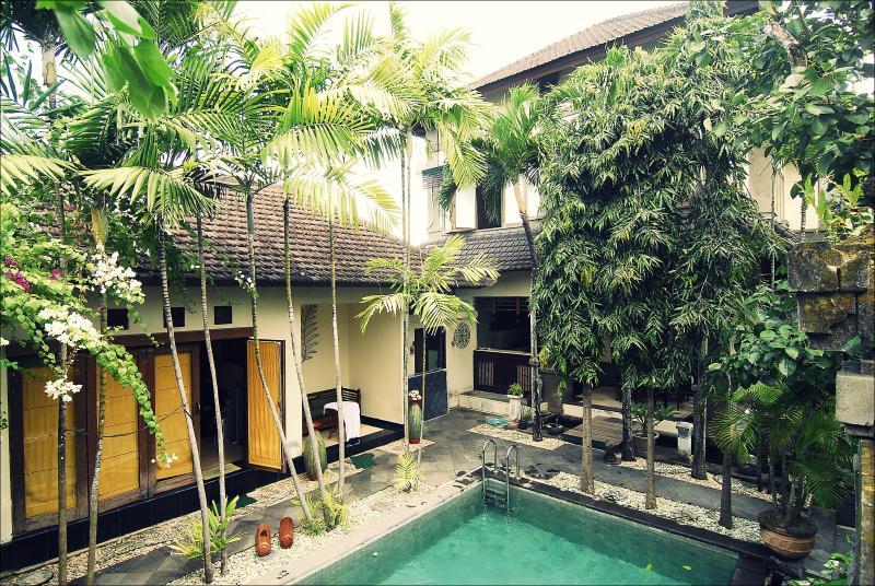 Pool, bungalow, house - Villa Rumah Badung, great family accommodation - Denpasar - rentals