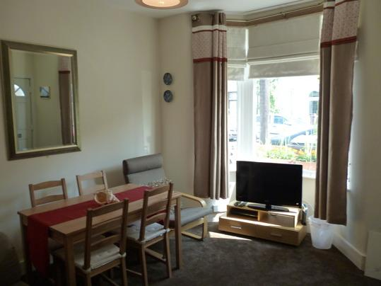 living room - 2bedroom luxury apartment (K) London - London - rentals
