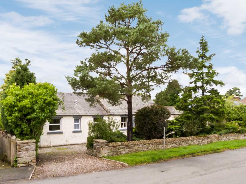 GLENLIVET, single-storey, romantic retreat, pet-friendly, in Kings Meaburn, near Appleby In Westmorland, Ref 26751 - Image 1 - Appleby In Westmorland - rentals