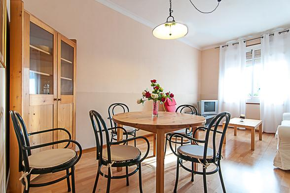 Apt for 6 close to Sagrada Familia - Image 1 - Barcelona - rentals