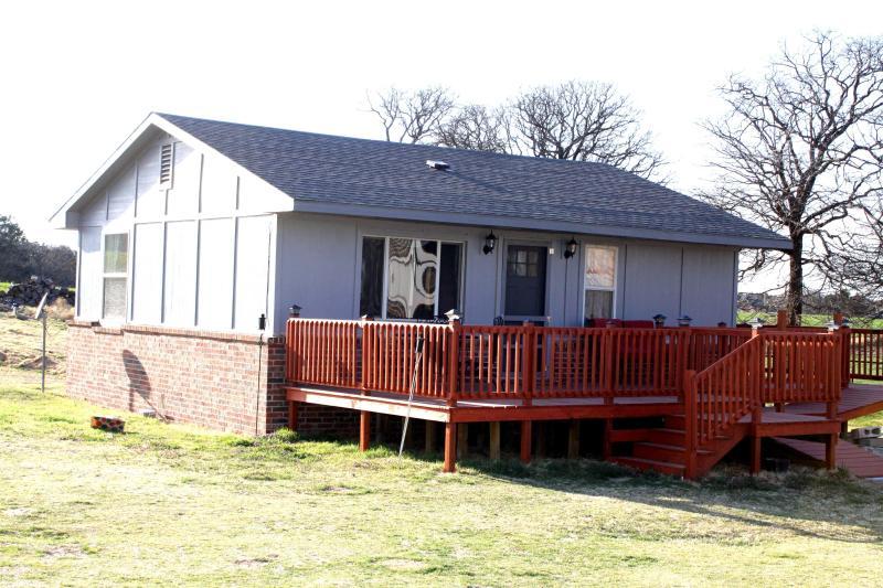 Beyond The Hill House Guthrie Oklahoma-Super Quiet - Image 1 - Guthrie - rentals