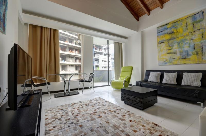 Dos Caminos 301 Comfy & Cozy Apartment - Image 1 - Medellin - rentals
