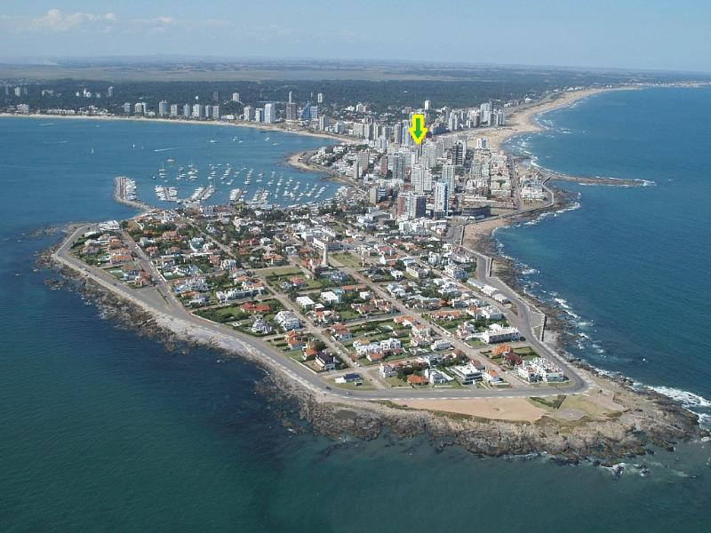 Location - APARTMENT GORLERO CENTER, 10TH FLOOR OCEAN VIEW, QUIET, FURNISHED, PARKING - Punta del Este - rentals
