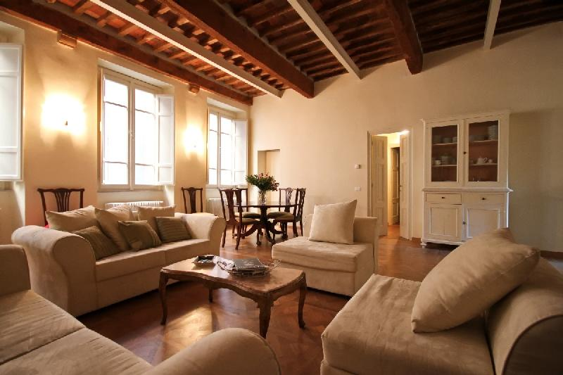 luxury apartment perfectly located! - Image 1 - Lucca - rentals