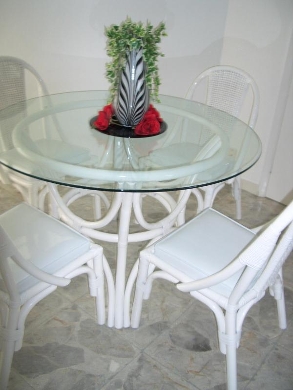 Dining Area - Oceanfront. Two olympic size pools,Maid service - Acapulco - rentals