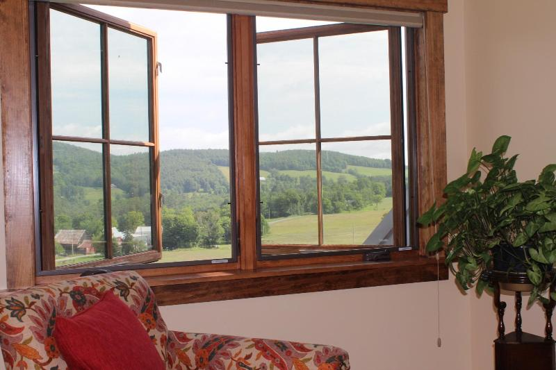 Wake Up To a Fabulous View - Savage Hart Farm - a Sheep Farm with an Apartment - White River Junction - rentals