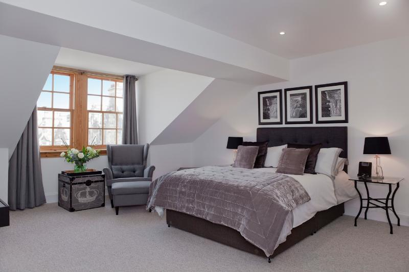 Master Bedroom - The Penthouse @ The Royal Mile - Edinburgh - rentals