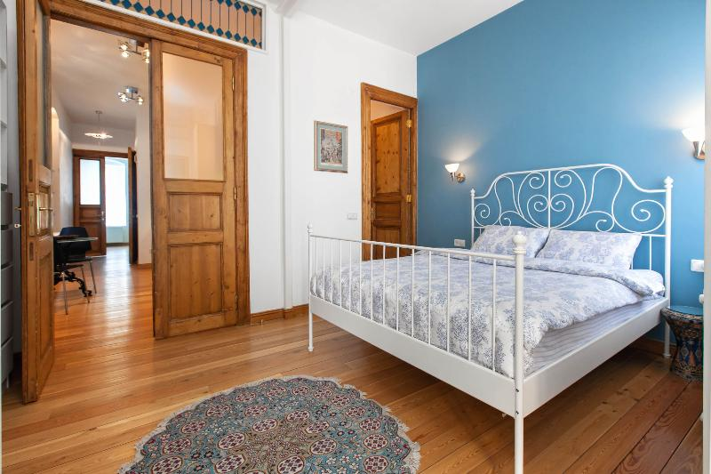 ROSE | Spacious 1 bed next to Galata tower! - Image 1 - Istanbul - rentals